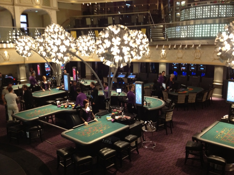 The website PokerStars has reached a deal with the Hippodrome, the UK's largest casino, which will see PokerStars open its own B&M poker room.